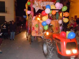 Decorated Reyes Tractor